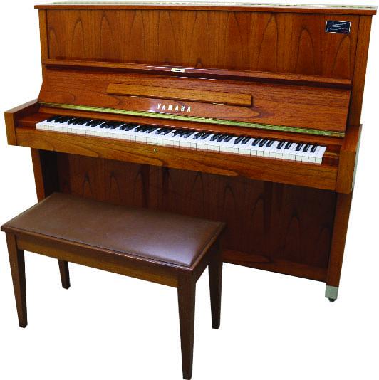 Piano YAMAHA W104