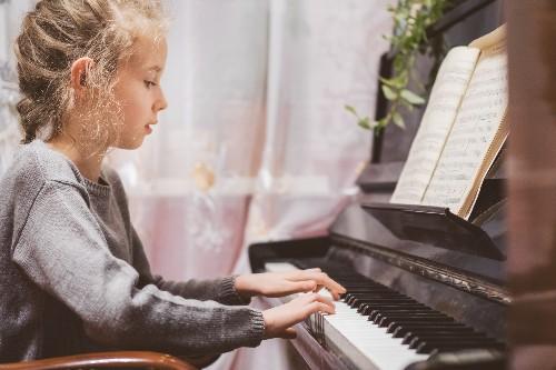 7 DẤU HIỆU CHO THẤY TRẺ ĐÃ SẴN SÀNG HỌC PIANO